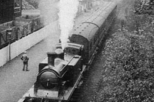 Train at Currie Railway Station, c1910.